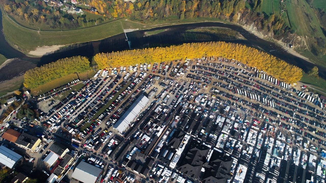 Jesienią - rekordowe jarmarki (zdjęcia z lotu ptaka)