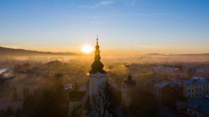 Wschód-słońca-Nowy-Targ-kościół-Tatry-58-scaled.jpg