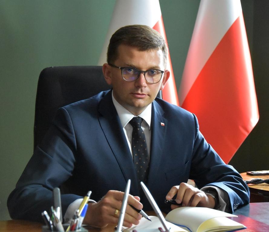 Wojewoda małopolski zakażony koronawirusem