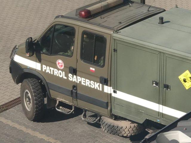 samochod_sluzbowy_patrolu_saperskiego.jpg