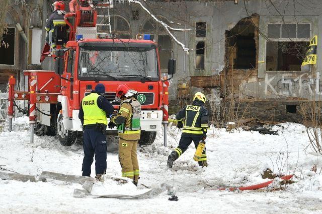 Trwa ustalanie tożsamości ofiar pożaru w Zakopanem