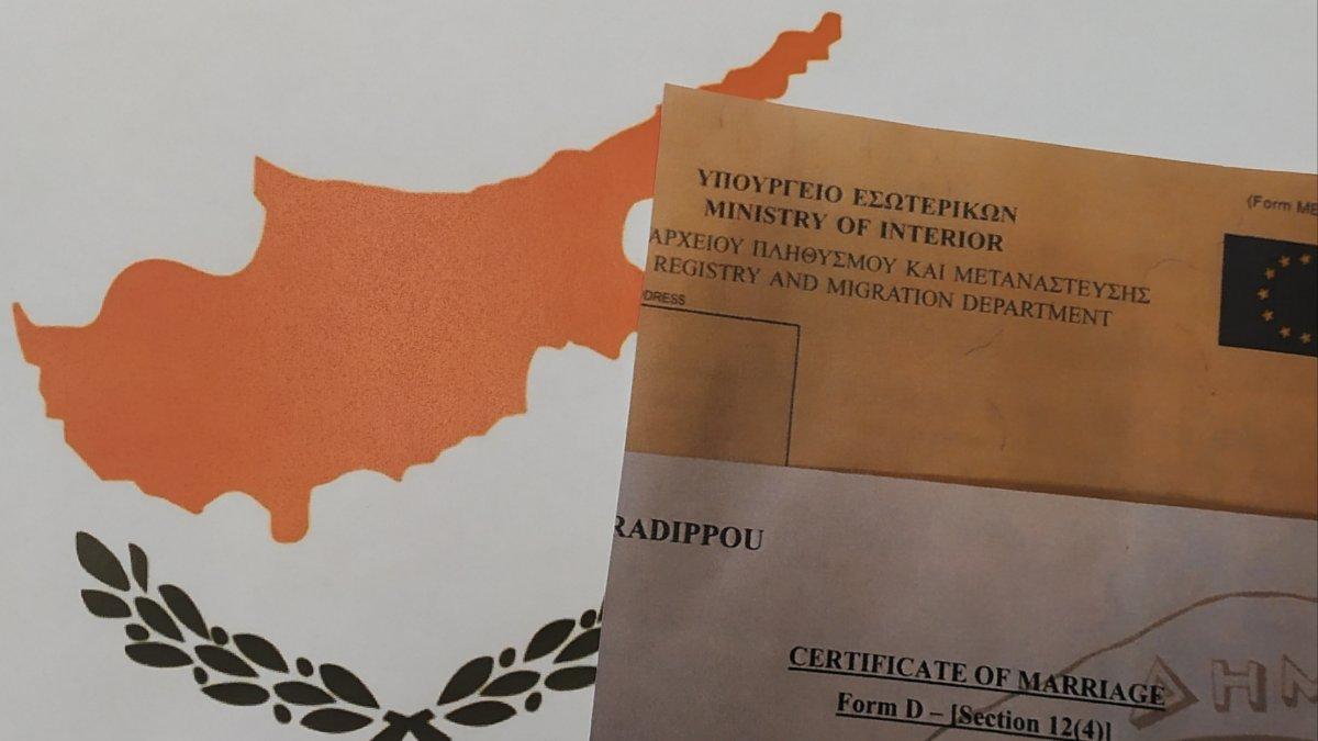 Straż graniczna: 2 samoloty z Cypru i podejrzenie 13 fikcyjnych małżeństw