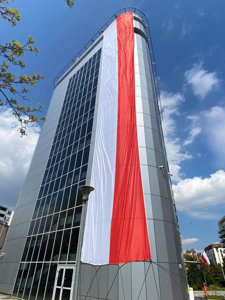 Wywieś Biało-Czerwoną!Dziś Dzień Flagi Rzeczypospolitej Polskiej.