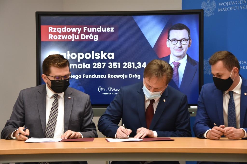 102 mln złotych na budowę dróg w Małopolsce