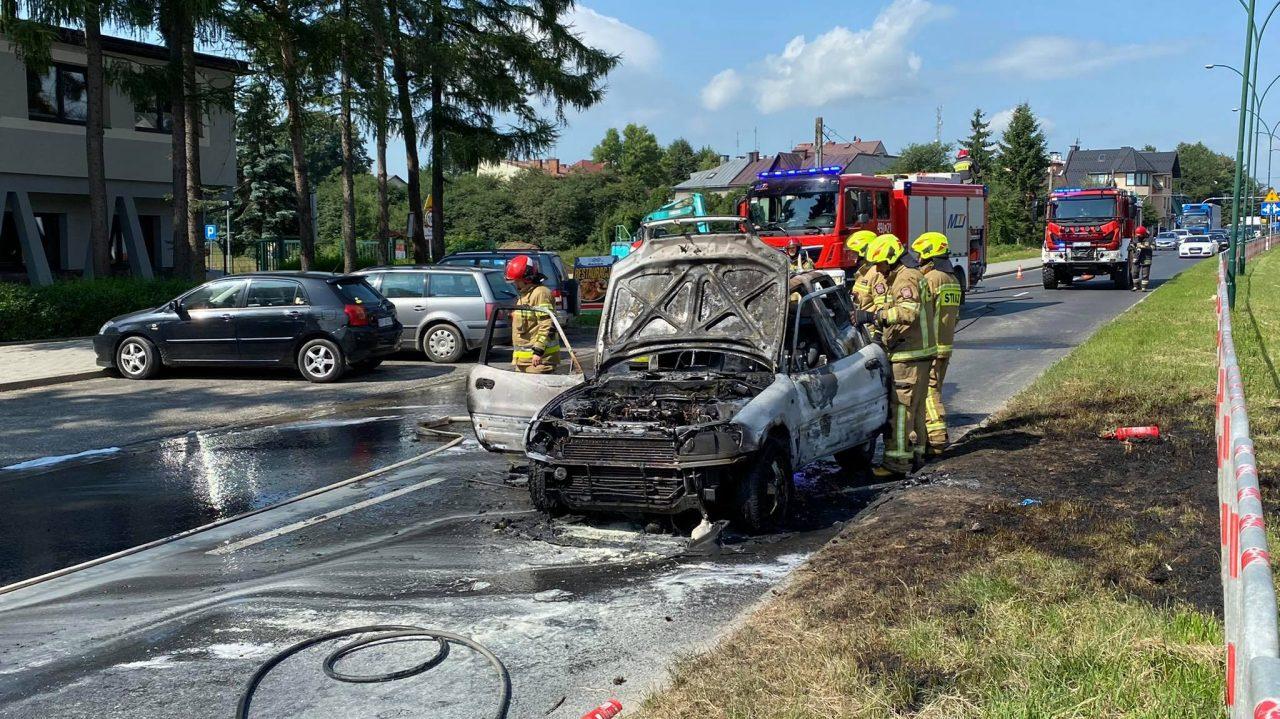 Pożar samochodu na Alejach Tysiąclecia