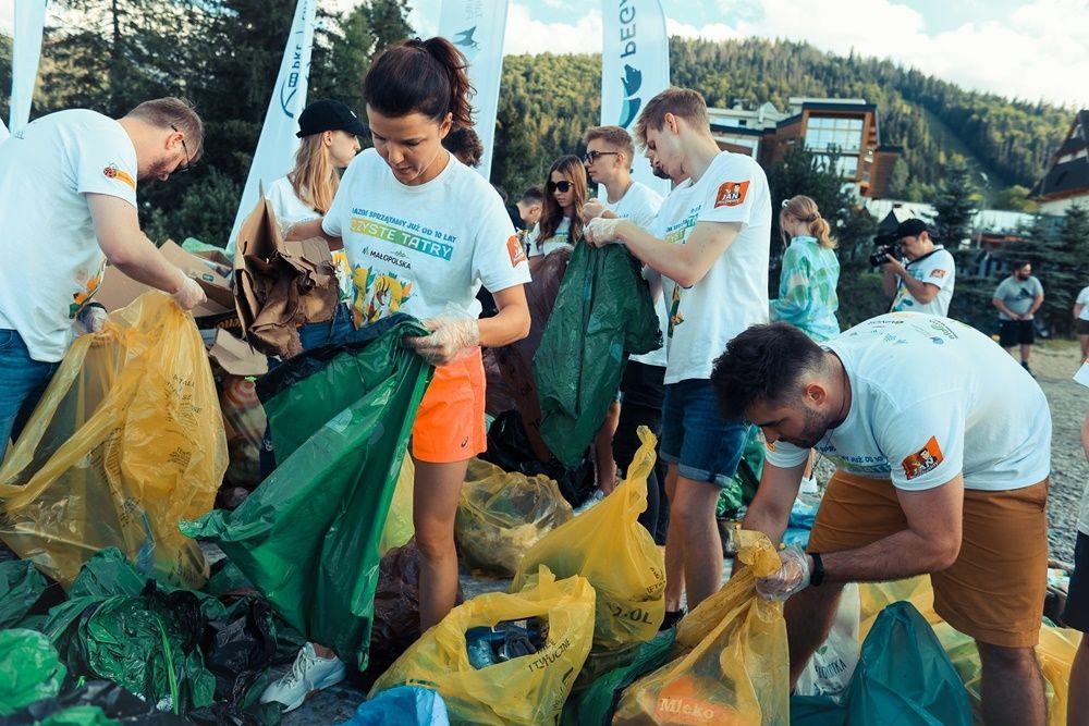 589 kg śmieci - tyle znieśli ze szlaków wolontariusze akcji Czyste Tatry