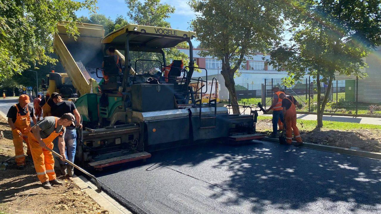 Ulica Józefczaka już z drugą warstwą asfaltu
