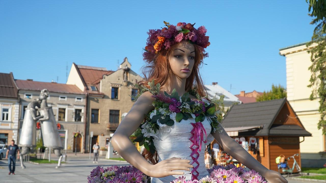 Kwiatowa Dama już w jesiennych barwach